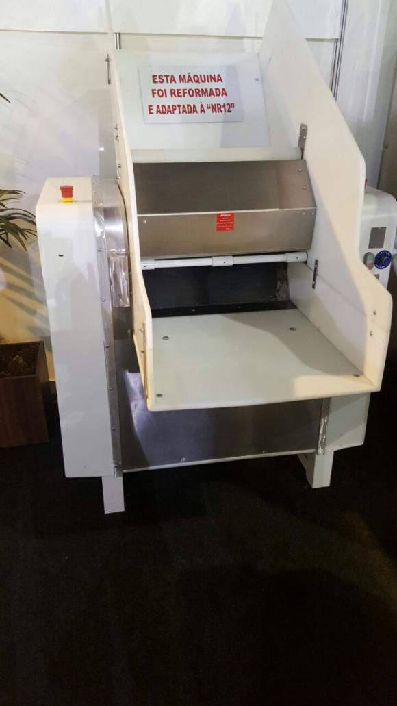 amassadeira, cilindro, batedeira, moinho, divisora, modeladora, divisora de mesa, divisora de coluna, fatiadora de pão