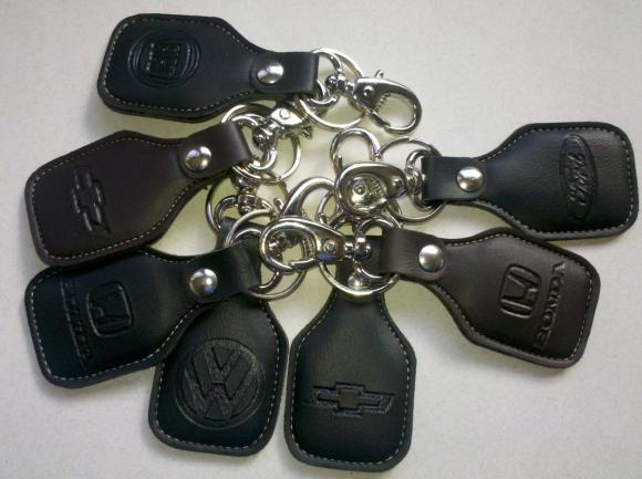 Chaveiro de couro, chaveiro de carro, chaveiro para carro, concessionária, agencia de carro, oficina mecânica